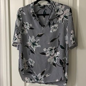 Ann Taylor Floral Blouse size Small